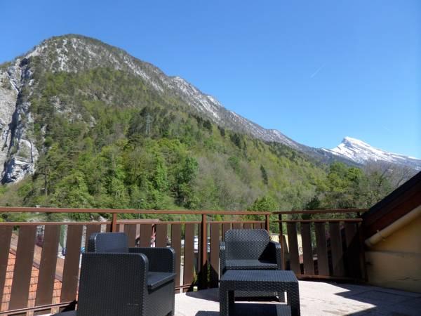 Vue balcon – Hôtel du Midi – Thônes – Vacances – Haute-Savoie