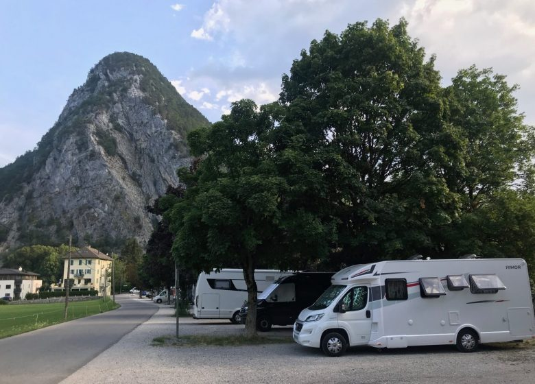 Aire camping-cars du plot
